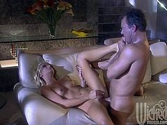 This dude comes running when Alexis malone wants his dick in her cougar body! She blows that cock and milks it right, then sucks that spunk!