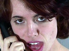Dabbler Australian chick Matilda talks onto A phone and playthings her erotic bushy fuzz box
