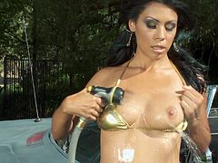 That's a porn that will come in your dreams and it's free to watch! Desirable Latina Cassandra Cruz gets so wet in bikini, when he fucks her cunt.