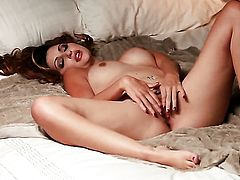 Natasha Malkova with tiny tities and trimmed beaver does her best to get you hot in solo scene