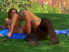 Outdoor passion in the park with gorgeous readhead angel Kirsten Price. What a blowjob that was and then babe puts a condom on his cock!