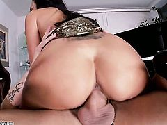 Well-stacked wench Breanne Benson plays with dudes erect pole