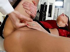 Brunette Lyen Parker gets bum hole poked good and hard