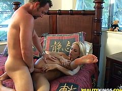 Dazzling Diamond Foxx takes hard pussy fucking in a bedroom