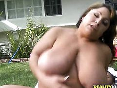 Danny Mountain loves fuck crazed Salena Maries amazing body and fucks her mouth as hard as possible