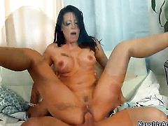 Johnny Castle wants to bang fuck crazed Zoey Holloways neat wet spot forever