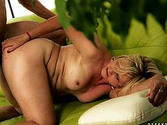 Hot tempered and insatiable blonde whore likes it harder. She hops on big cock like sex insane and then guzzles stiff prick like greedy for cum.