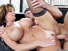 Deauxma has great anal experience and expands it with hard dicked bang buddy Johnny Castle