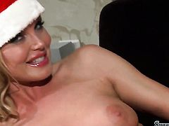 Silvia Saint fulfills her lesbian desires with Tea Juls tongue in her in her pussy