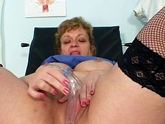 Busty mature Vilma is pretty nasty when it comes to masturbating her cunt