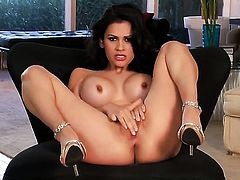 Vanessa Veracruz shows her love for masturbating
