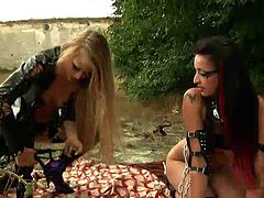 Michelle Moist  & Cherry Stone - Road Warriors