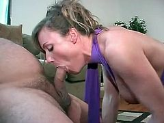 Ron Jeremy fucks slut doggystyle while she blows a guy