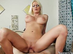Jordan Ash inserts his pole in breathtakingly beautiful Riley Evanss pussy hole