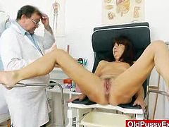 An gray baba called Lada visited the clinic to get her cunt examined, so the Physician made sure, he does all the exams like fuck hole stretching