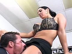 This boss really knows how to train her employees. Guy in trouble makes amends by Showing her cunt some love.