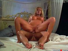 Well shaped blondie screams loud as she rides her boyfriend's big cock and gets her face smeared with a big load of warm man juice.
