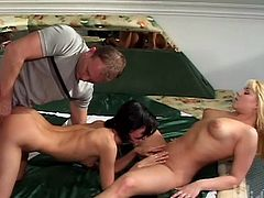 Lucky guy gets a FFM threesome with Elen and Patrica. Lots of close up action of them licking each others pussys, and giving a blowjob for a facial.