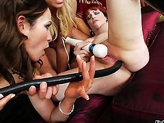 Amber Rayne gets unthinkable lesbian pleasure to Kylie Ireland in girl-on-girl action