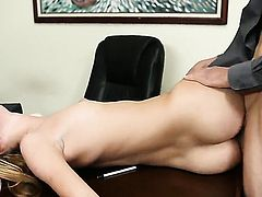 Jessie Rogers is a blowjob addict that loves guys erect worm