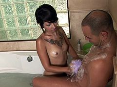 Soapy Massage's beauty, Coco Velvet, amazes with her sensual moves