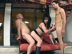 Slutty brunette she male gets hammered by two men and sucks the dick at the same time. Watch in steamy Fame Digital xxx clip.