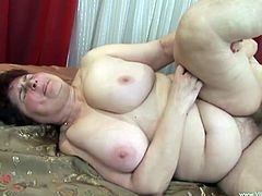 Have fun with this hot scene where BBW mature is fucked by an old guy that ends up cumming all over her hairy pussy.