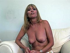 Sizzling blonde mom Jessica Sexxxton is having fun indoors. She strips and demonstrates her body for the camera and also flashes her shaved pussy.
