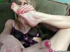 Slender Allie James shows and licks her feet lying on a sofa. This naughty girl pleases a Black dude with her feet. A footjob is a real art because it is not that easy to make a guy cum using just feet.