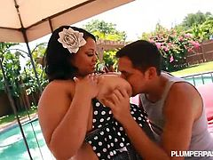 Vicki Black is a horny ebony plumper and she is always ready to have some fun on a hot summer day. This dude starts to play with her titties and she rides his schlong
