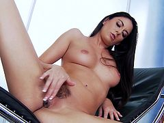 A geat stopping solo scene with the gorgeous brunette Nikki Daniels