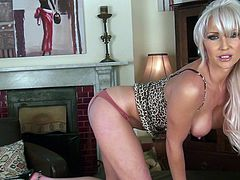 Jennifer Jade is a hot blonde mom with a body that'll make your dick hard. Watch her taking off her lingerie to play with her pink pussy.