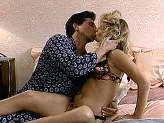 That's a fucking old school to watch and this charming blond lady is going to be pleasing her man in all ways. Enjoy the classics!