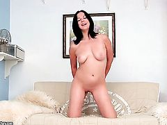 Teen Evelyn Cage has dildo-hungry pussy hole