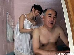 Make sure you have a look at this hot scene where the slutty Miki Torii ends up with a messy facial after being jerking and bathing an old man.