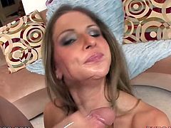 Whorable blondie Rachel Roxx stands on her knees and gives her boyfriend nice blowjob in POV video. Later babe gets her pussy licked good.