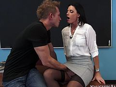 Extremely sexy and curvy brunette with nice ass takes her clothes off and gets her clit licked. Have a look at this bitch in Naughty America sex clip.