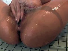 Luna Star is a Latin bombshell. She puts on quite a show in this hardcore masturbation scene. She's in the shower, covering herself with bubbles and fucking her holes with a toy.