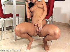Take a look at this solo scene where this gorgeous brunette plays with her pink pussy as well as seeing her pee in this hot cilp.