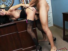 Gia Dimarco with giant jugs warms Keiran Lee up and takes his meat pole in her bottom