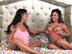 Make sure you have a look at this hot scene where the sexy Keisha Grey is interviewed by the hot Mia Malkova as they both sit butt naked on a bed.