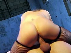 Sexy Kiera King gets her nipples pinched with clothespins. This blindfolded babe gives a blowjob and then gets cowgirl fucked.