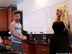 Busty blonde Kagney Linn Karter gets her pussy eaten by Johnny Castle
