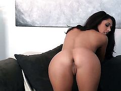 Anna Morna with tiny tits and clean pussy cant live a day without taking dildo in her bush