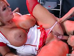 Keni Styles cant resist charming Alura Jensons acttraction and fucks her like crazy