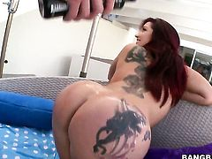 Dayna Vendetta with juicy bottom having sensual sex
