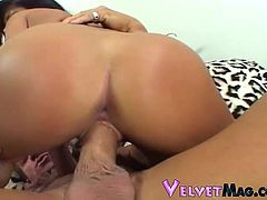 Hot brunette Sativa Rose shows her juicy body to a man and pleases him with a great blowjob. After that they have sex in the cowgirl and the missionary positions.