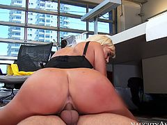 Amazing chick with nice boobs gets fucked hard on the floor