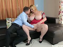 Plumper Pass brings you a hell of a free porn video where you can see how the busty BBW Kali Kali Lina Fucked By Tony Rubino into a breathtaking explosion of pleasure.