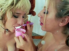Anal stimulation between horny lesbian hotties